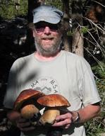 Tom Bruns with two California Boletus edulis var grandedulis